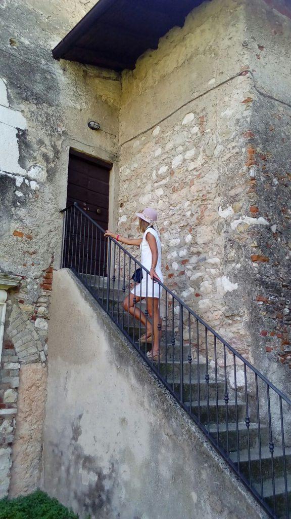 A05 - Ritratto di donna...sulle scale - Claudio Poloni